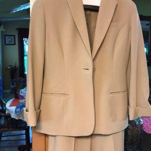 Jones of New York Suit